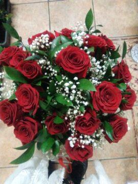 ramo-18-rosas-rojas-70€